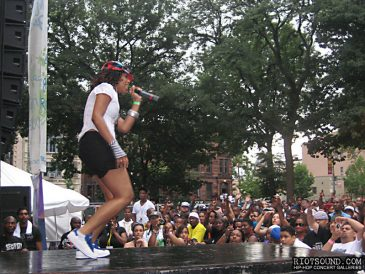 029_Female_Rapping