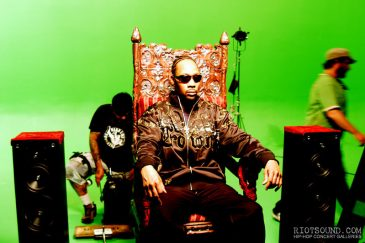 15_On_The_Throne