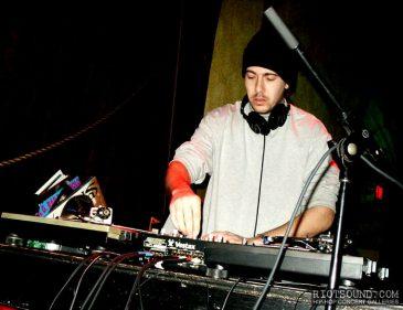 1_Hip_Hop_DJ