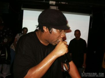 20_KRS_One_In_Concert