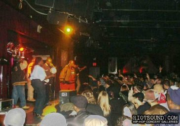 5_Buddha_Monk_Performing_Live