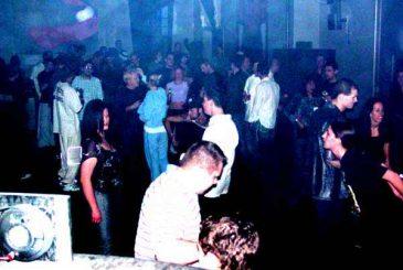 611HolidayDec2003_14