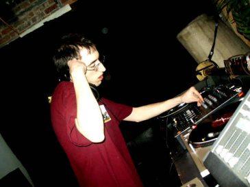 DJPreachApr2005_15