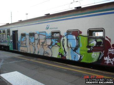 11 Milan Train Graff Piece