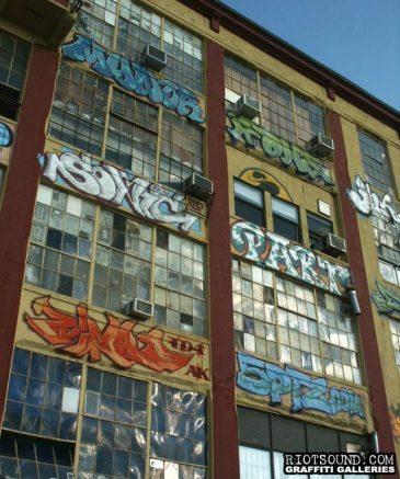 29 Spraypainted Building