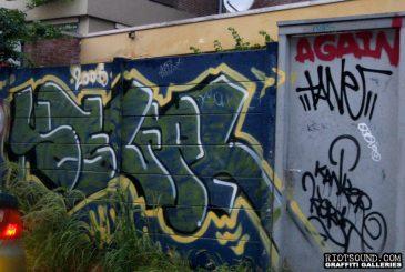 Graff In Alleyway
