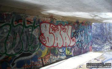 graffiti in tunnel