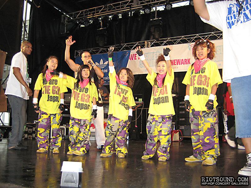 009_G3_Dancers_Japan