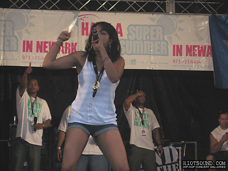 027_Female_Hip_Hop_MC