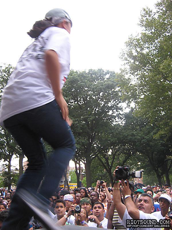 114_Breakdancer