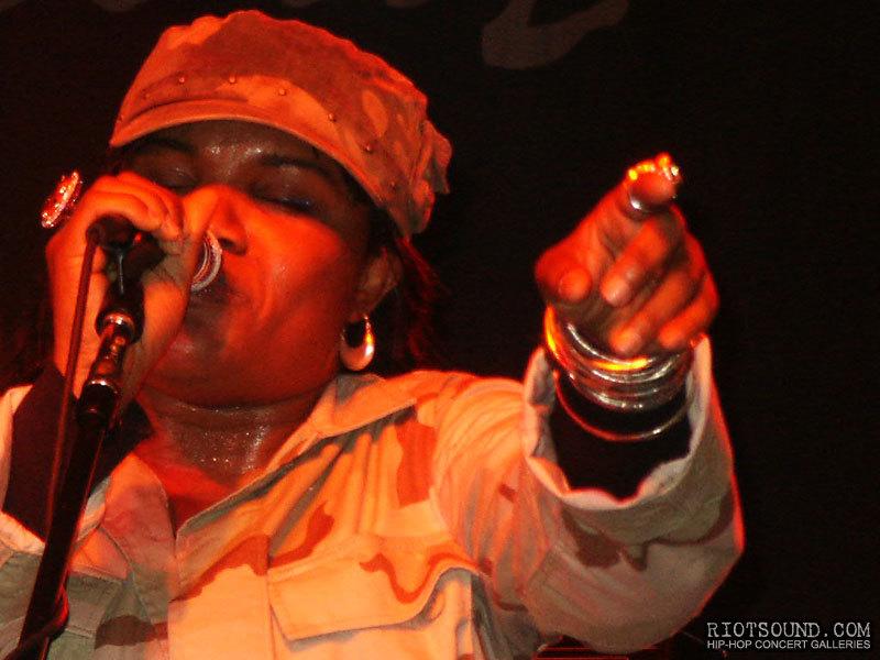 15_Reggae_Songstress