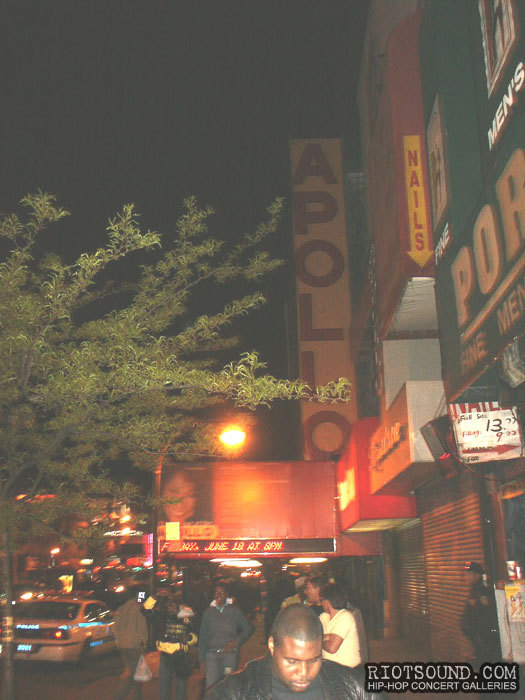 1_The_Apollo_Theatre_Harlem_New_York