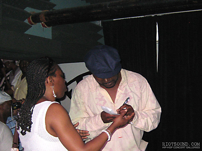 24_Getting_An_Autograph