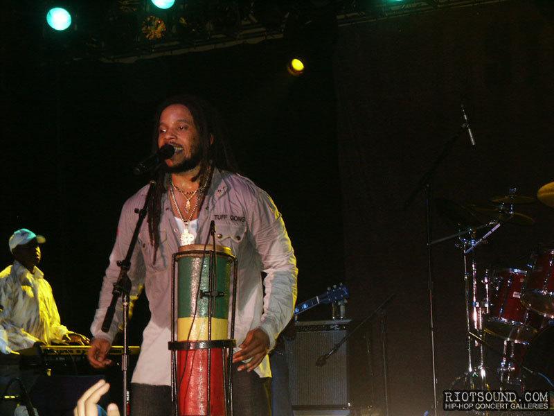 24_Stephen_Marley_On_Stage