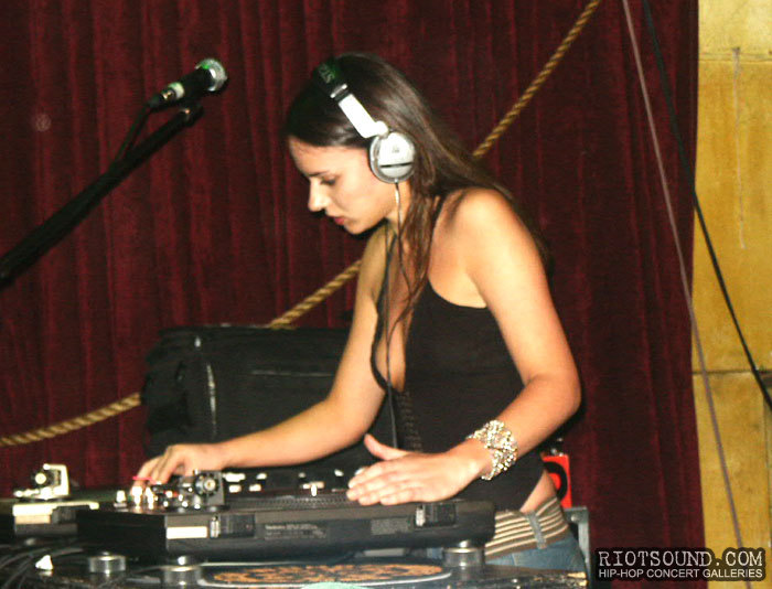 5_Hot_Female_DJ