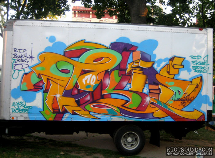 78_Graffiti_On_Truck