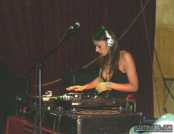 7_Topless_DJ