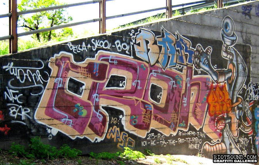 BAR Rome Graff