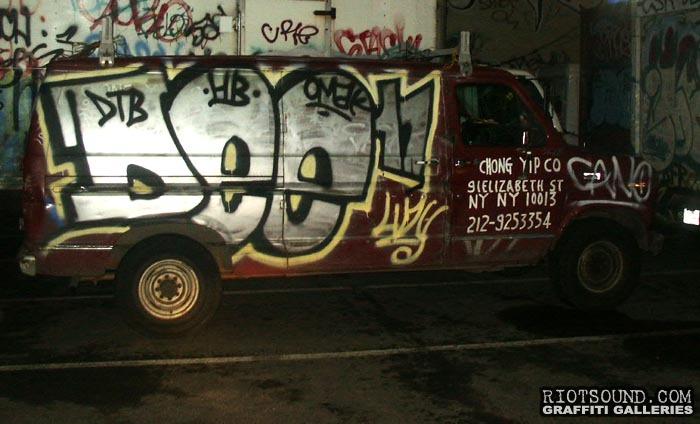 Dee17 Van