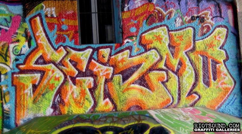 Seizmo Graffiti