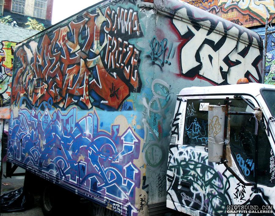 TD4 Graffiti Piece
