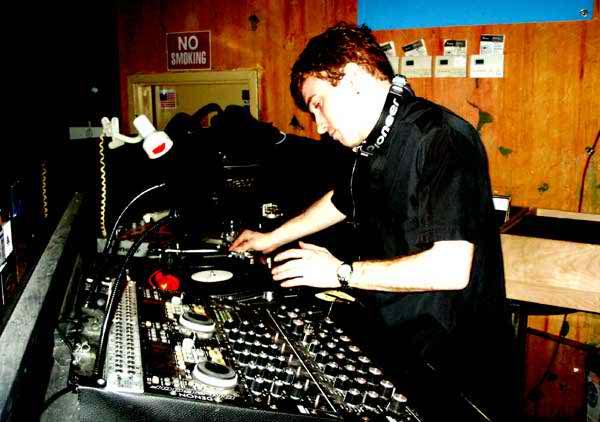 TronicJan2004_2