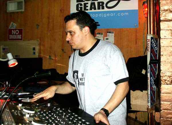 TronicZentzSmithMay2004_1