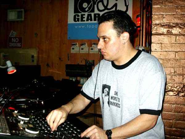 TronicZentzSmithMay2004_8