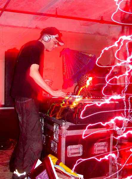 newLostCityNYE2003_03