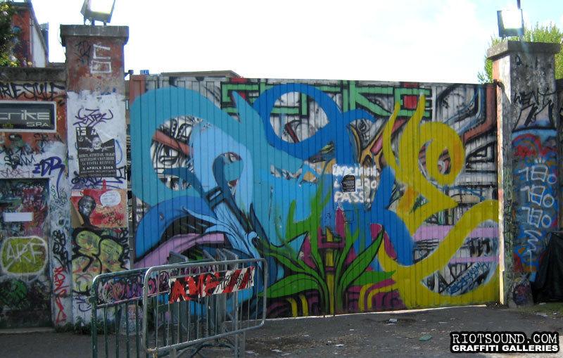 Art On Gate