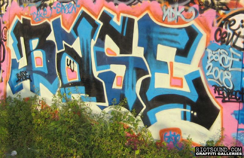BASE Roma Graff