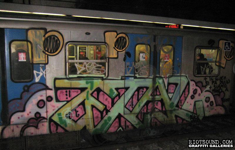Metro Arte Piece