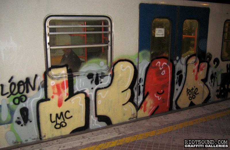 Roma Metro Graffiti