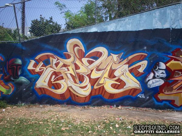 XOMI Graffiti Art